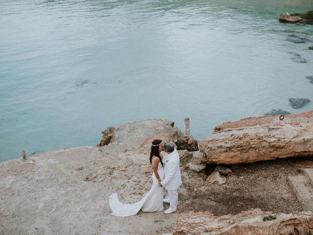 La boda de Dani y Carmen en Cala Conta, Islas Baleares 34