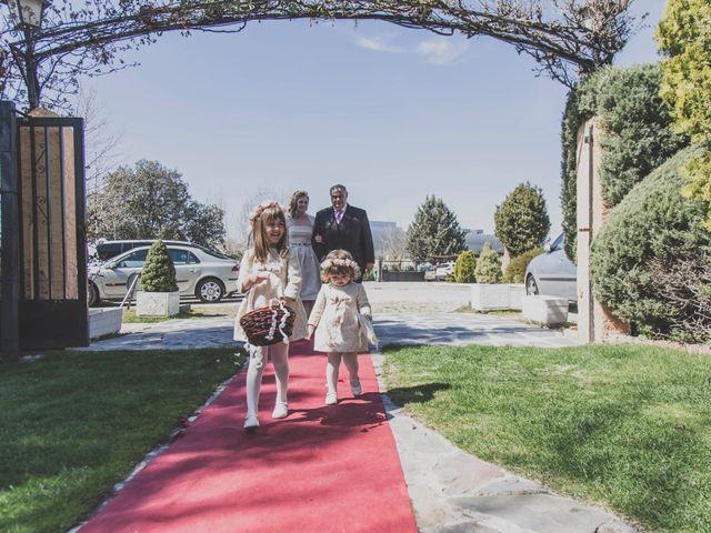 La boda de David y Vanessa en Tres Cantos, Madrid 38