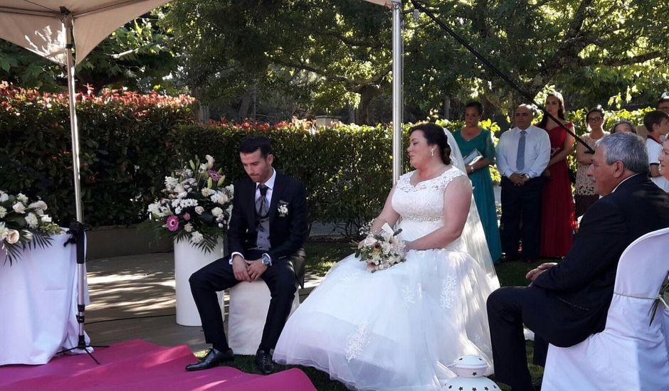 La boda de Javi  y Laura  en Santiago De Compostela, A Coruña