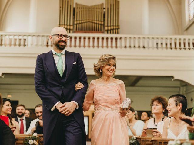 La boda de Miguel y Carolina en Madrid, Madrid 17