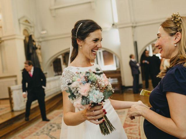 La boda de Miguel y Carolina en Madrid, Madrid 22