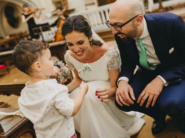 La boda de Miguel y Carolina en Madrid, Madrid 23