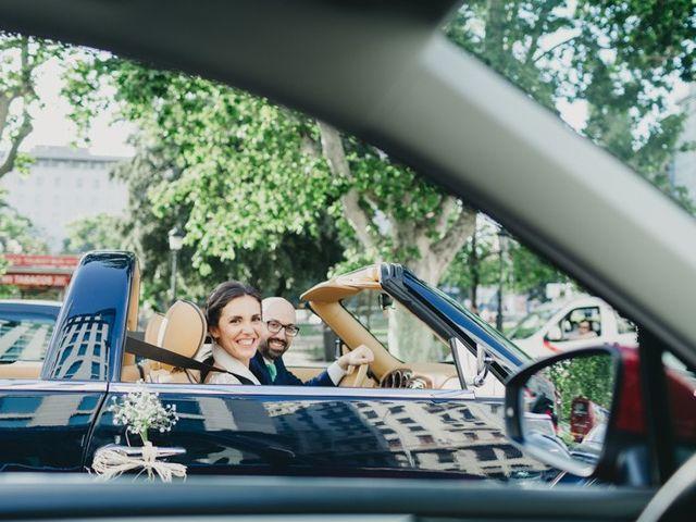 La boda de Miguel y Carolina en Madrid, Madrid 25
