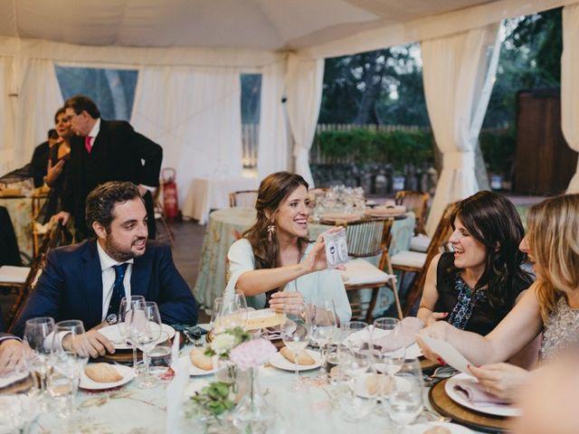 La boda de Miguel y Carolina en Madrid, Madrid 35