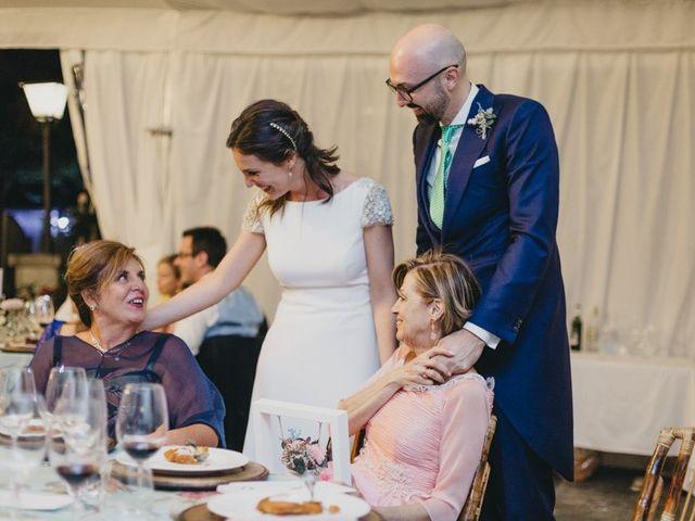La boda de Miguel y Carolina en Madrid, Madrid 41