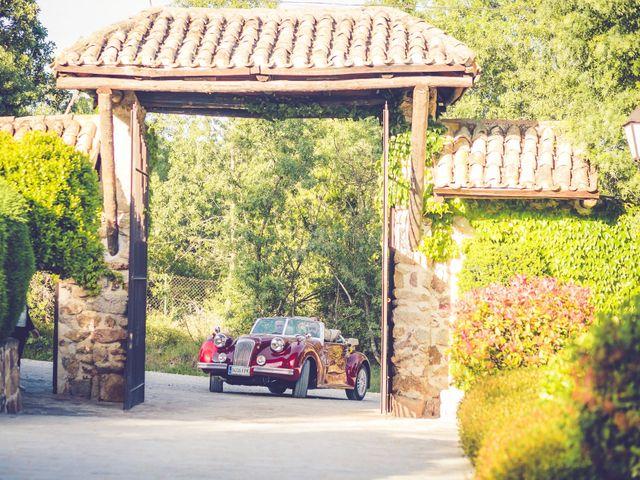 La boda de Victor y Iratxe en Miraflores De La Sierra, Madrid 34