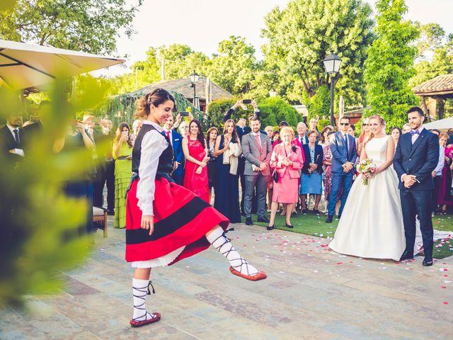 La boda de Victor y Iratxe en Miraflores De La Sierra, Madrid 56