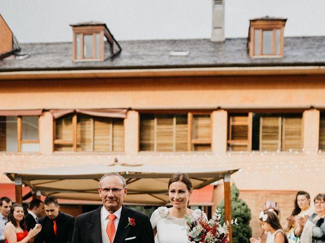 La boda de Javi y Sara en Ponferrada, León 24