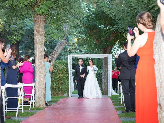 La boda de Sandra y Oscar en Madrid, Madrid 20