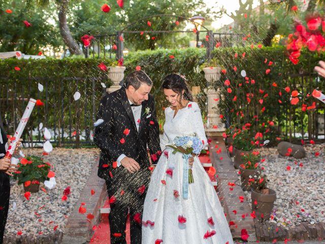 La boda de Sandra y Oscar en Madrid, Madrid 28