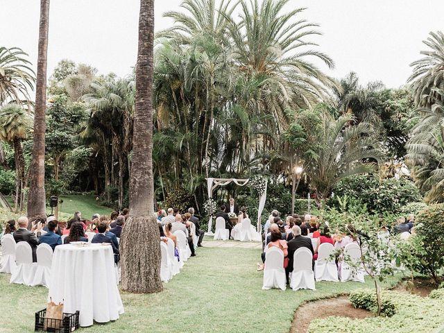 La boda de Guille y Ruth en Puerto De La Cruz, Santa Cruz de Tenerife 20