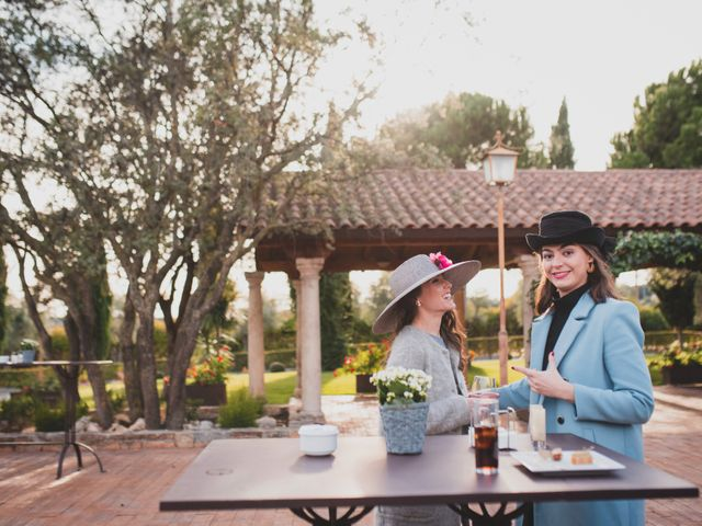 La boda de Jorge y Gabriela en San Agustin De Guadalix, Madrid 272