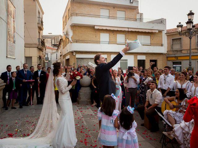 La boda de Iván y Alejandra en Zalamea De La Serena, Badajoz 27