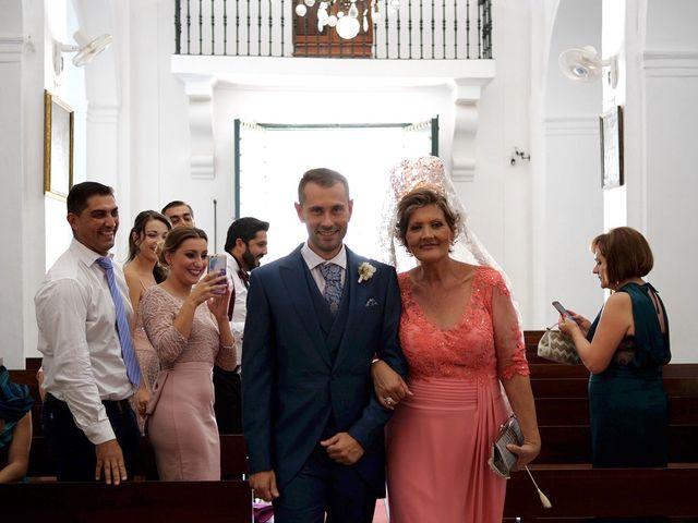 La boda de Luis y María Esther en Barbate, Cádiz 11
