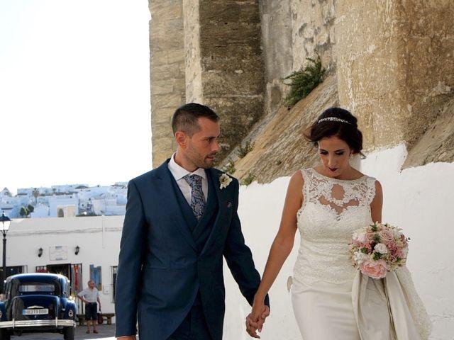 La boda de Luis y María Esther en Barbate, Cádiz 14