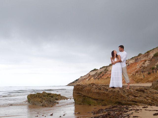 La boda de Luis y María Esther en Barbate, Cádiz 23