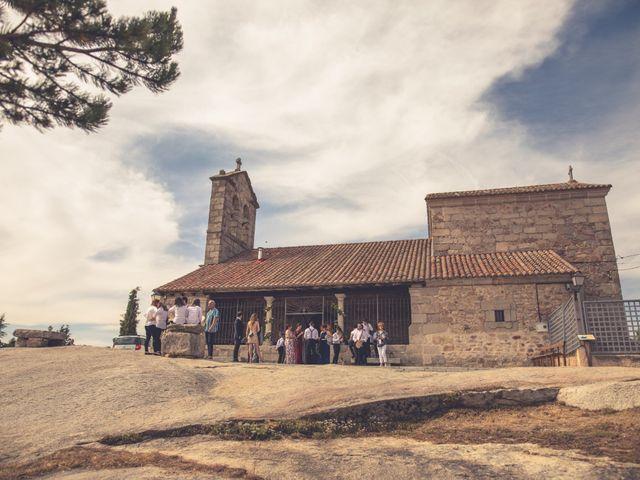La boda de Iván y Marta en Miraflores De La Sierra, Madrid 33