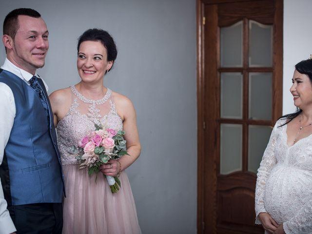 La boda de Daniel y Roxana en Santpedor, Barcelona 34