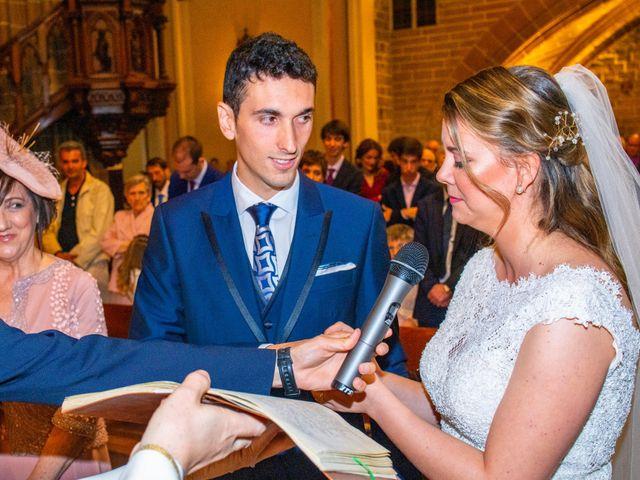 La boda de Joseba y María en Pamplona, Navarra 28