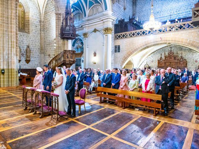 La boda de Joseba y María en Pamplona, Navarra 31