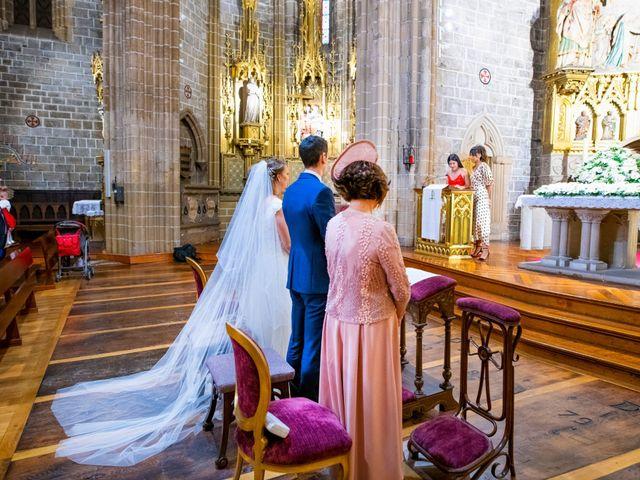 La boda de Joseba y María en Pamplona, Navarra 32