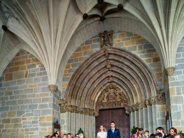 La boda de Joseba y María en Pamplona, Navarra 34