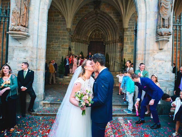 La boda de Joseba y María en Pamplona, Navarra 35