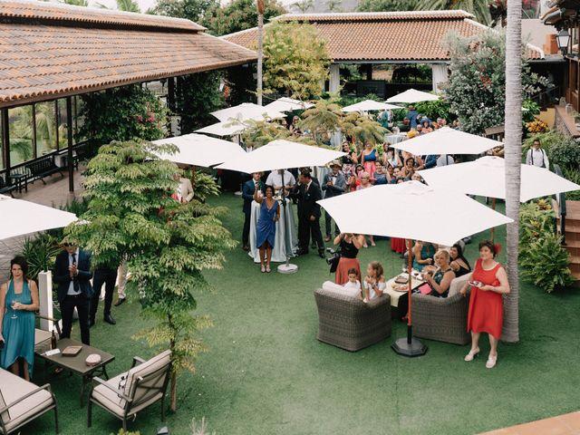 La boda de Adrián y Macu en La Orotava, Santa Cruz de Tenerife 34