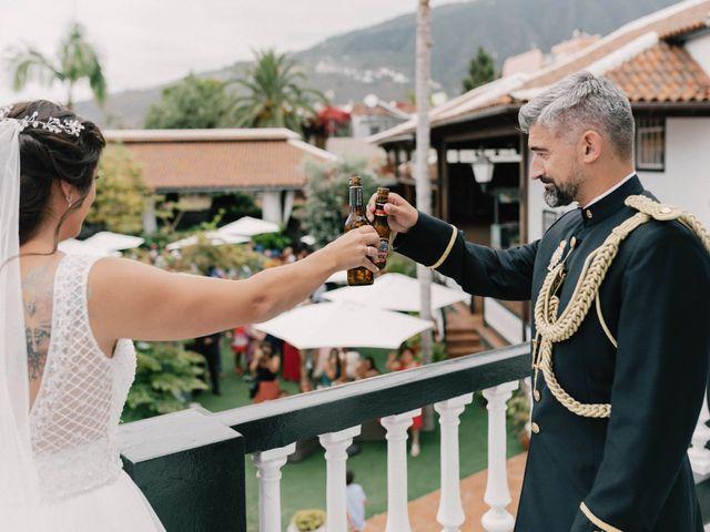 La boda de Adrián y Macu en La Orotava, Santa Cruz de Tenerife 35