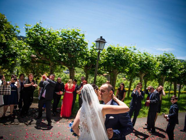 La boda de Jon y Alazne en Azpeitia, Guipúzcoa 21