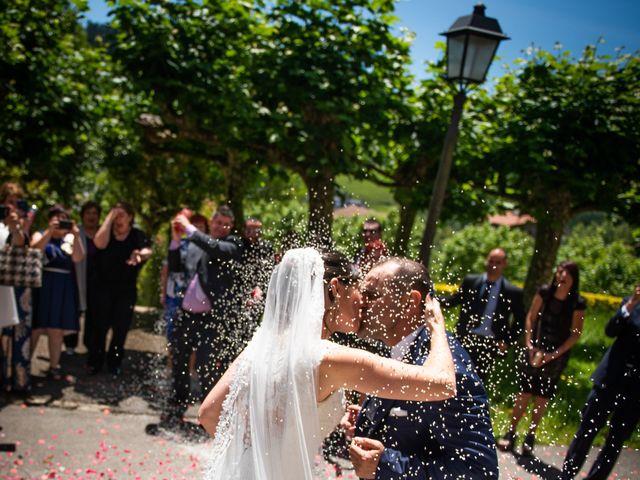 La boda de Jon y Alazne en Azpeitia, Guipúzcoa 23