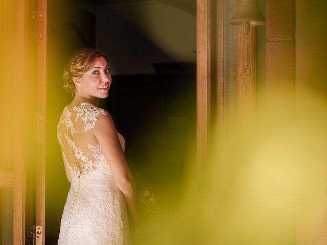 La boda de Isaac y Moni en Gandia, Valencia 24