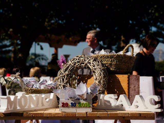 La boda de Isaac y Moni en Gandia, Valencia 28