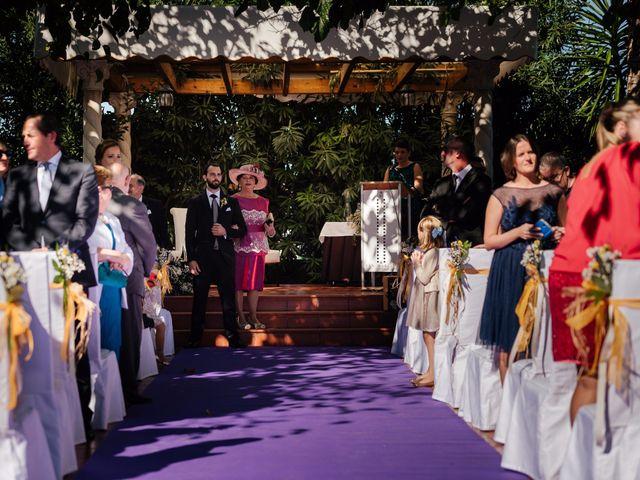La boda de Isaac y Moni en Gandia, Valencia 31