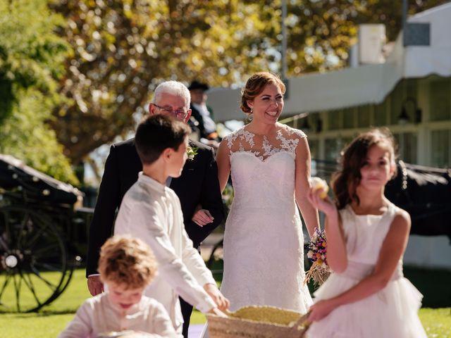La boda de Isaac y Moni en Gandia, Valencia 33