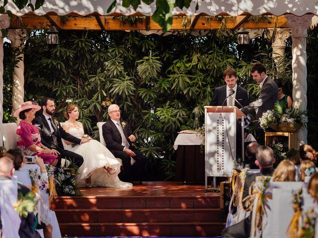 La boda de Isaac y Moni en Gandia, Valencia 36