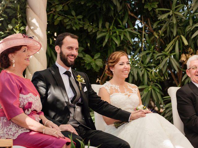 La boda de Isaac y Moni en Gandia, Valencia 37