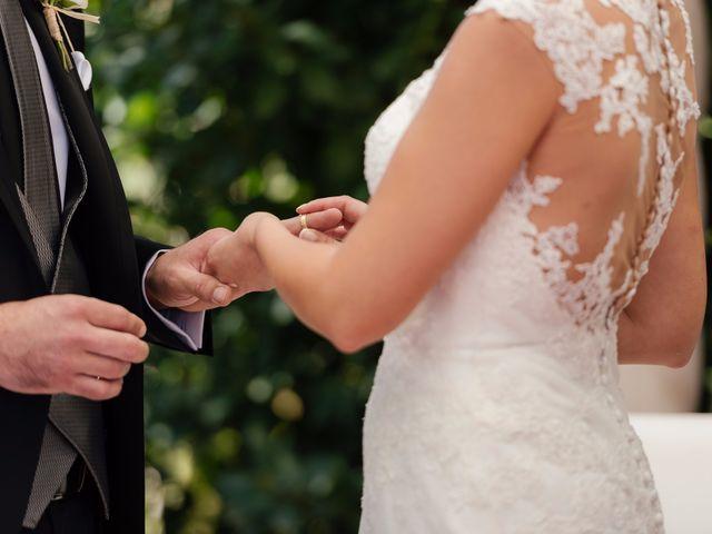 La boda de Isaac y Moni en Gandia, Valencia 39