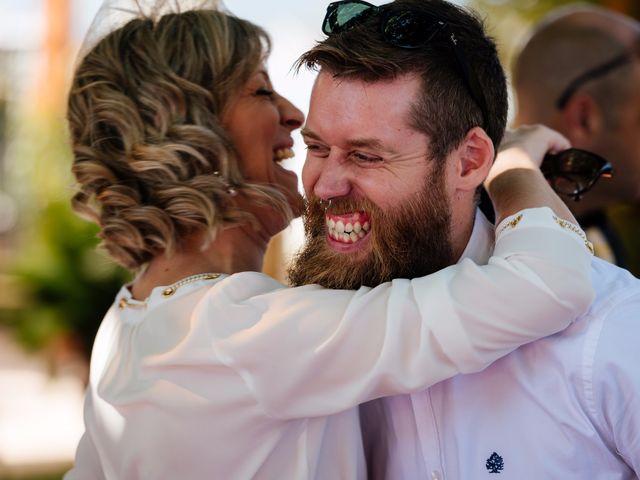 La boda de Isaac y Moni en Gandia, Valencia 46