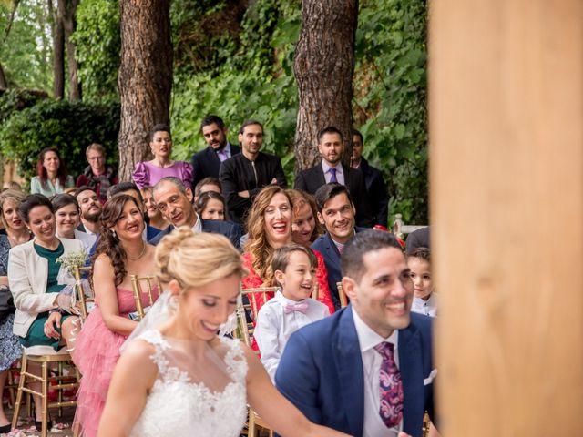 La boda de Álvaro y Raquel en Madrid, Madrid 24