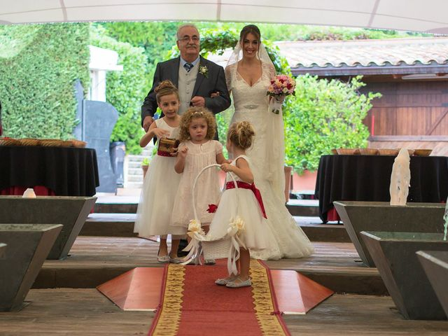 La boda de Ramón y Rebeca en Vallirana, Barcelona 32