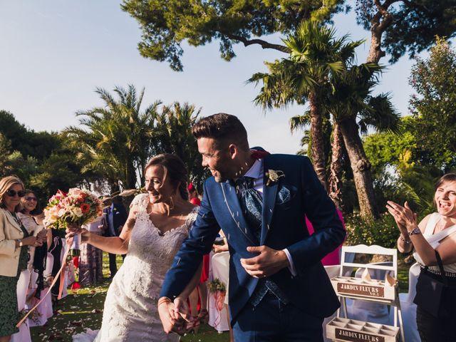 La boda de Edgar y Elena en Alacant/alicante, Alicante 33