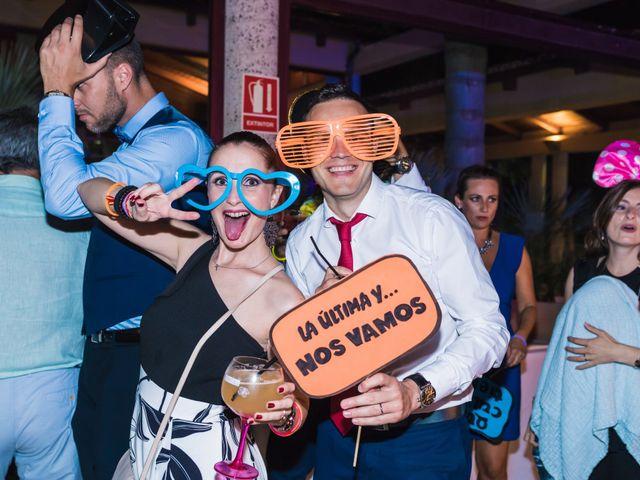 La boda de Edgar y Elena en Alacant/alicante, Alicante 49