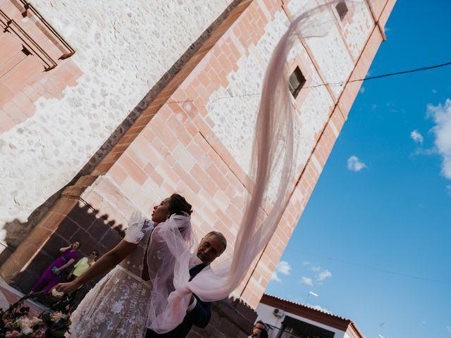 La boda de Ángel y Aurora en Herencia, Ciudad Real 15