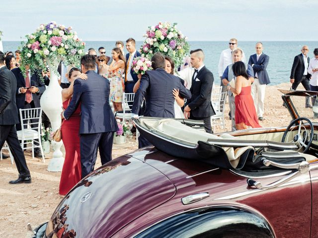 La boda de Pablo y Celina en Daya Vieja, Alicante 32
