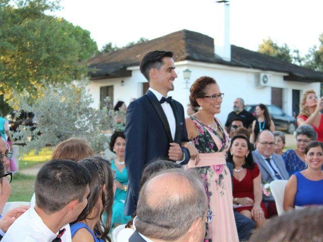 La boda de Domini  y Ángela  en Villamanrique De La Condesa, Sevilla 1
