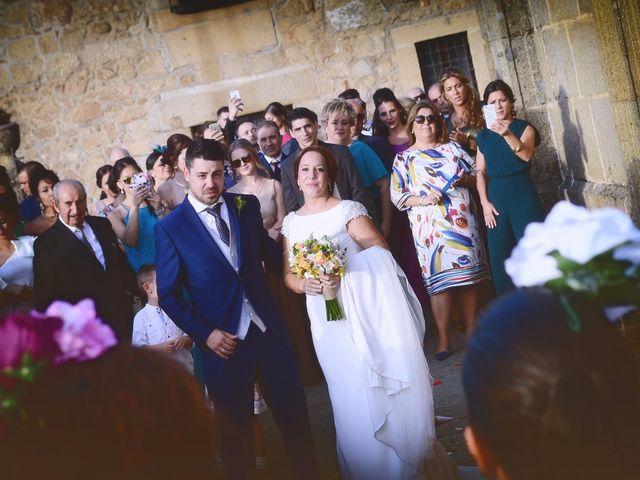 La boda de Jorge y Nazaret en Valdastillas, Cáceres 74