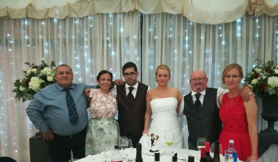 La boda de Hugo y Raquel en Bueu (Casco Urbano), Pontevedra
