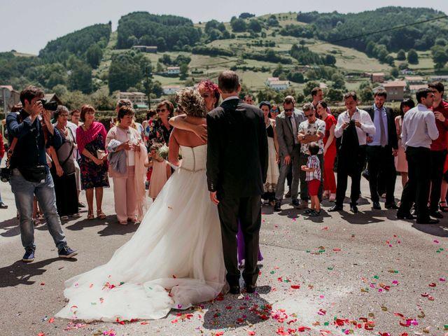La boda de Julén y Nahiara en Urnieta, Guipúzcoa 37