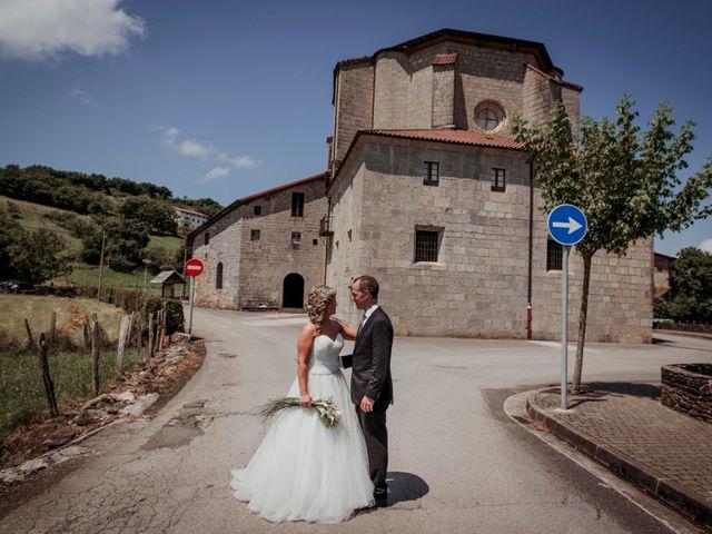 La boda de Julén y Nahiara en Urnieta, Guipúzcoa 41